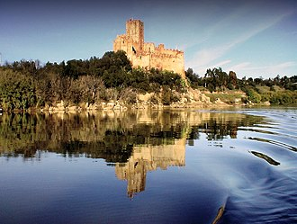 Castle of Almourol - A view of the castle from the Tagus River, showing the granite outcropping and its 18-metre rise over the waterway