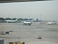 Chek Lap Kok Airport 赤鱲角機場 - Flickr - skinnylawyer.jpg