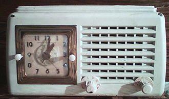 Alarm clock - Image: Clock radio