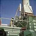 Collectie Nationaal Museum van Wereldculturen TM-20029605 Arbeider in de chemische industrie Aruba Boy Lawson (Fotograaf).jpg