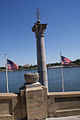 Column and Flags Lake Mirror Cassic 16Oct2010 (14998946871).jpg