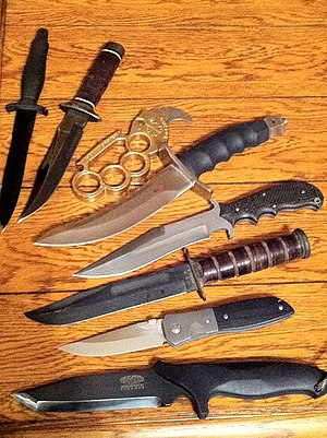 Fighting knife - An assortment of fighting knives