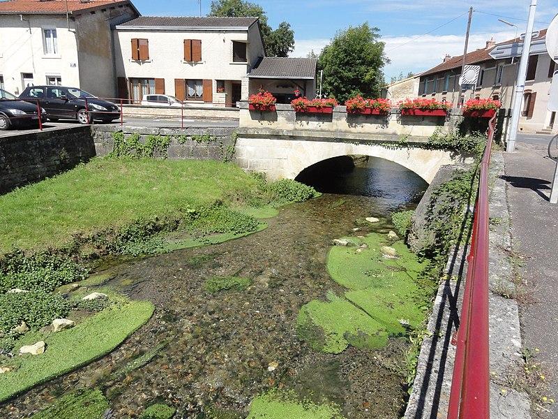 Cousances-les-Forges (Meuse) la Cousance avec pont