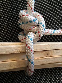 Jamming knot