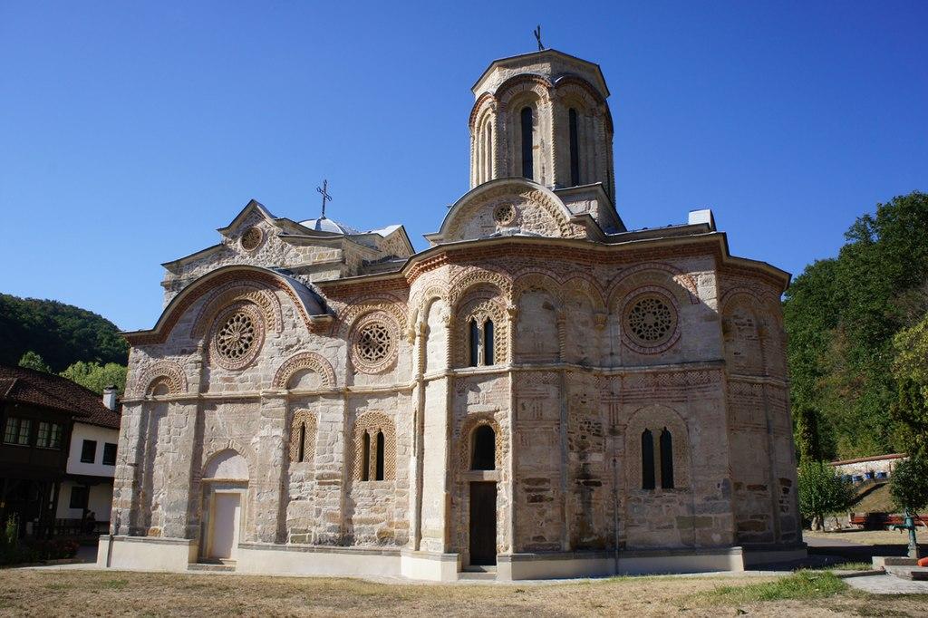 Manastiri Srbije - Page 2 1024px-Crkva_manastira_Ljubostinja