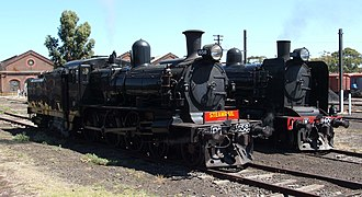Victorian Railways Dd class - Preserved D3 locomotive (left) adjacent to a K class locomotive, the boiler design of which formed the basis for the D3 boiler.