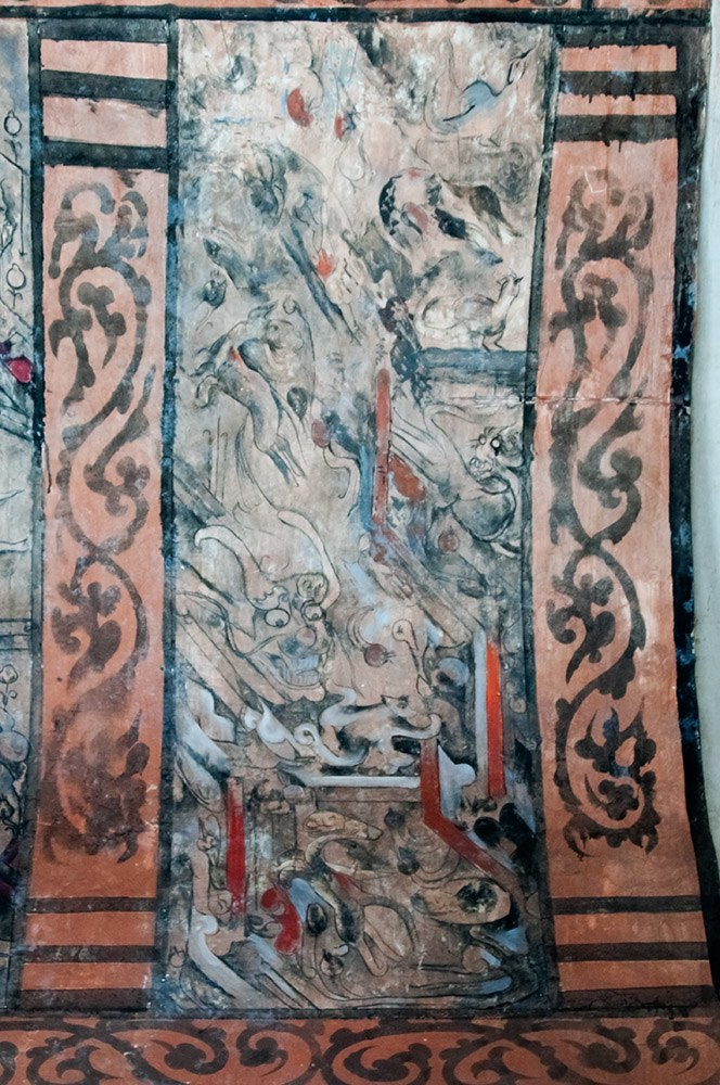 Dahuting Tomb mural detail showing mythlogical creatures, including a dragon, Eastern Han Dynasty