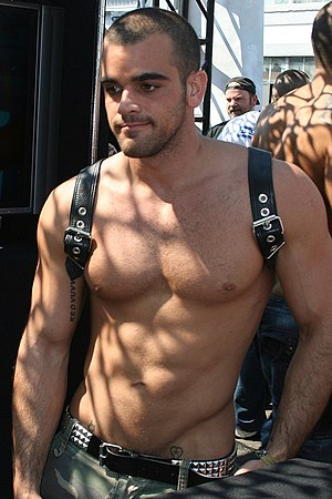 Low-rise (fashion) - Porn star Damien Crosse in Low-rise clothing at Folsom Street Fair 2010