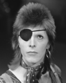 David Bowie - TopPop 1974 03 (cropped).png
