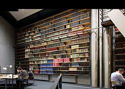 Deutsche Nationalbibliothek Frankfurt - Lesesaal (5825).jpg