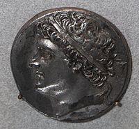 Монета в 32 литры с изображением Гиерона II
