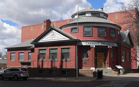 Dodge City Carnegie Art Center from SE 3
