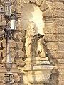 Dresden - Literat an der Semperoper (Man of Letters at Semper Opera House) - geo.hlipp.de - 32271.jpg