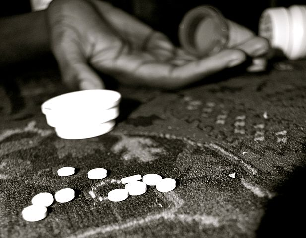 Drugs By Sam Metsfan (Apartment in New York) [Public domain], via Wikimedia Commons