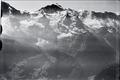 ETH-BIB-Wildstrubel, Wildstrubelgletscher, Wengneralp, Jungfrau v. N. aus 3000 m-Inlandflüge-LBS MH01-005733.tif