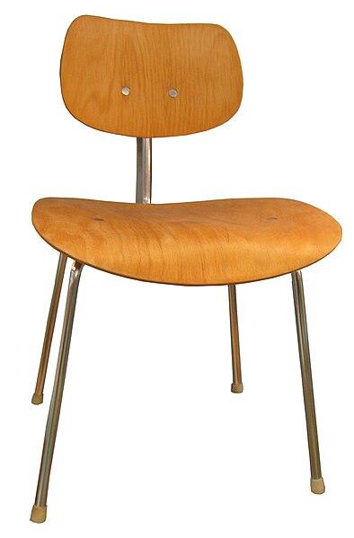 file egon eiermann mehrzweckstuhl se 68 wikimedia commons. Black Bedroom Furniture Sets. Home Design Ideas