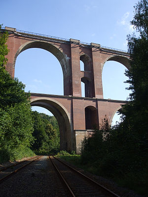 Elster Viaduct - Close up of the viaduct in 2008