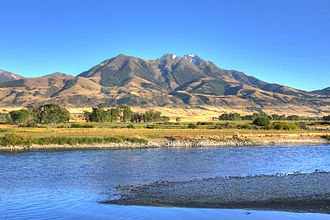 Paradise Valley (Montana) - Image: Emigrant mountain rivers bend lodge