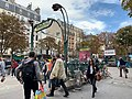 Entrée Station Métro Pasteur Paris 2.jpg