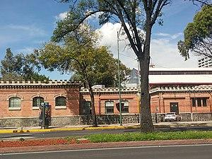Escuela Libre de Derecho - View of the school from Dr Rio de la Loza Street
