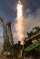 Expedition 56 Launch (NHQ201806060012).jpg