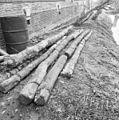 Exterieur getrokken houten heipalen van de voormalige toren fundering - Waarder - 20248322 - RCE.jpg