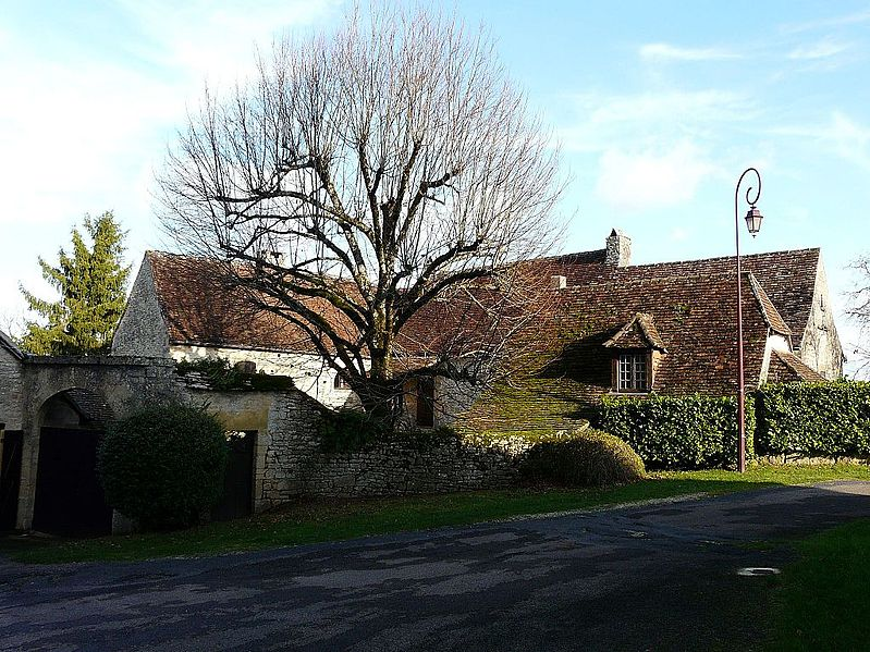 File:Fanlac maison curé Bonnal.JPG