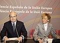 Fernández de la Vega participa en el acto organizado por la Generalidad de Catalunya con el objeto de presentar propuestas para el semestre de la presidencia española de la UE. Pool Moncloa. 14 de enero de 2010.jpeg