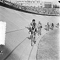 Finish Parijs. Ereronde van het Italiaanse team met winnaar Fausto Coppi (3e in , Bestanddeelnr 905-2281.jpg