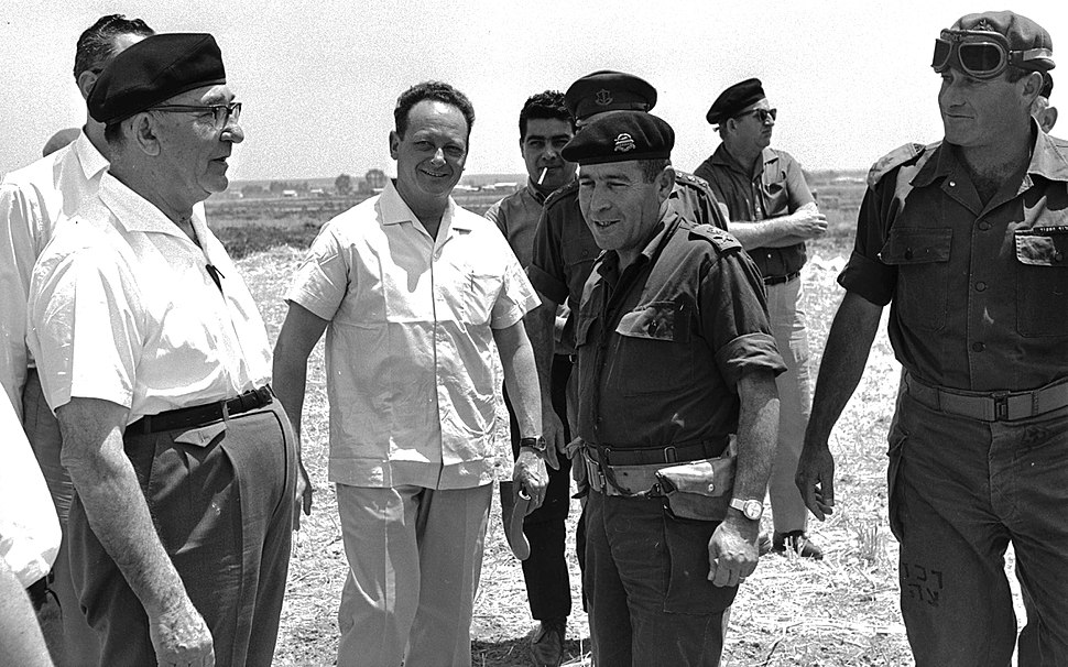 Flickr - Government Press Office (GPO) - P.M. Levy Eshkol and Major Generals in the Negev