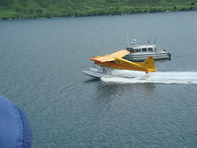 Floatplane and boat on Raspberry Straight.JPG