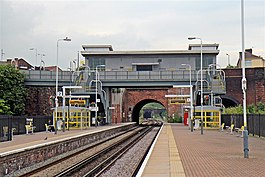 Footbridge and Ticket Office, Kirkdale Railway Station (geograph 2995950).jpg