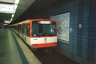 Frankfurt U-Bahn - U3 car 469 in original livery