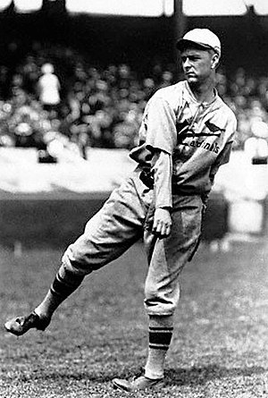 Fred Frankhouse - Frankhouse pitching in his first game as a St. Louis Cardinal