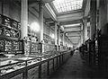 Galerie minéralogie MNHN Meurisse 1924.jpg