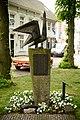 Gedenkmonument 'Feniks' voor oorlogslachtoffers van Hilvarenbeek 03.JPG