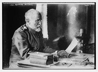 Radomir Putnik - Radomir Putnik in his office