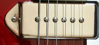 Single coil guitar pickup - P90 dog ear