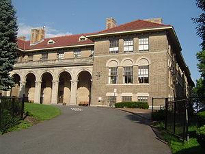 Glen Ridge, New Jersey - Ridgewood Avenue school