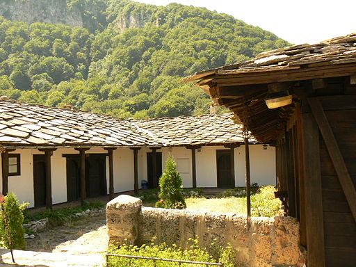 Glozhene-monastery-yard