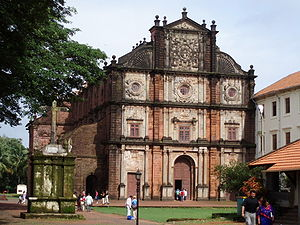 Thotagamuwe Sri Rahula Thera - Some historians believe that the mortal remains kept in the Basilica of Bom Jesus, Goa, is the in-corrupt body of Thotagamuwe Sri Rahula thera.