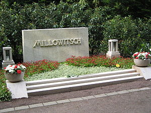 Willy Millowitsch - Family grave