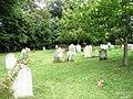 Graveyard behind Holy Trinity, Bosham - geograph.org.uk - 928618.jpg