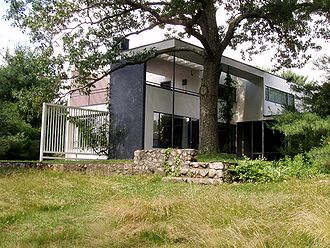 Gropius House - Image: Gropius House, Lincoln, Massachusetts View from Side Rear