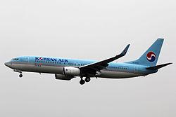 HL8241 - Korean Air Lines - Boeing 737-8BK(WL) - TAO (13950726091).jpg