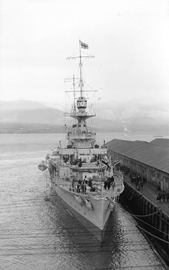 Hawkins-class cruiser - Raleigh in 1921 at Vancouver