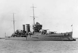 HMS York (90) - Image: HMS York secured