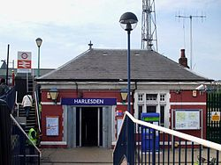 Harlesden station building.JPG