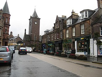 Crieff - Image: Heading east on Crieff's High Street geograph.org.uk 3152513