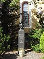Hohenstein-Ernstthal-Stadtkirche-St.Trinitatis-Karl-May-Gartendenkmal.jpg